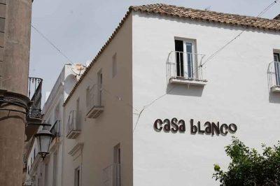 Apartamentos Casa Blanco