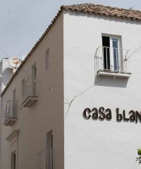 Casa Blanco Apartments